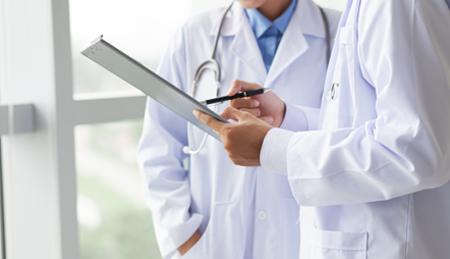 El oncólogo debe estar adecuadamente formado en cáncer hereditario