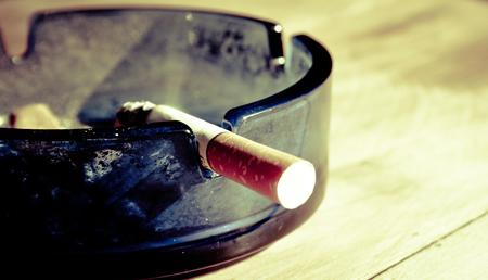 El tabaquismo de los padres podría relacionarse con cambios genéticos encontrados en cáncer infantil